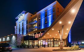 Best Western Premier c Hotel by Carmen's Hamilton On