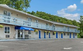Econo Lodge Lee - Great Barrington photos Exterior