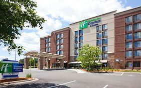 Holiday Inn Express Edina Mn