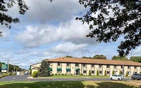 Quality Inn Near Toms River Corporate Park