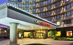 Crowne Plaza Hotel Portland Or
