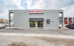 Oyo Hotel San Antonio Lackland Air Force Base West photos Exterior