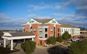 Holiday Inn Express Olive Branch