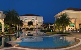 The Palms Town And Country Club