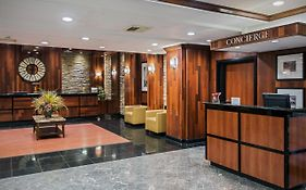 Newark Airport Crowne Plaza