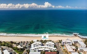 Rolling Surf Resort Sunshine Coast