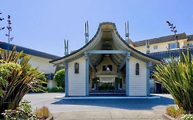The Polynesian Resort Ocean Shores Wa