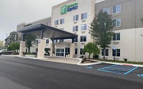 Holiday Inn Express Novi Northwest Wixom