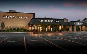 Crowne Plaza Chicago Northbrook Hotel