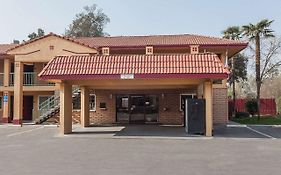 Super 8 Motel Visalia Ca