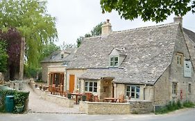 The Plough Inn Cheltenham 4*