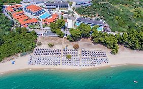 Lagomandra Beach & Suites