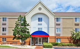 Candlewood Suites Cleveland n Olmsted