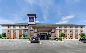 Sleep Inn & Suites Fargo Nd