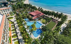 Sanya South China Hotel 4*