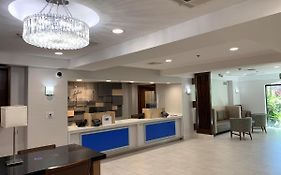 Holiday Inn Express Woodland Hills Ca