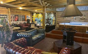 Manchester Party Pad