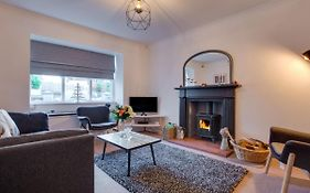 Detached Holiday Home In Saundersfoot With Enclosed Garden  United Kingdom