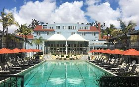 The Lafayette Hotel Swim Club & Bungalows San Diego