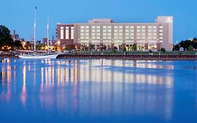 Doubletree Riverfront Bay City Mi