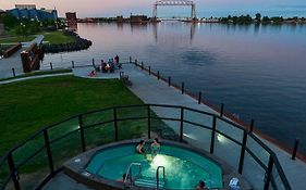 Pier b Resort Duluth