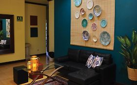 Hotel Cr Lounge By Little Havana (Adults Only)