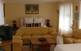 Palmieros Bed And Breakfast East London