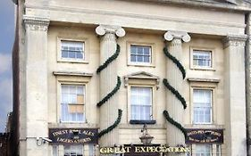 Great Expectations Hotel Reading