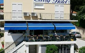 Carry Hotel