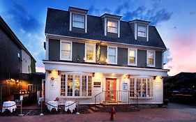 Bouchard Inn Newport