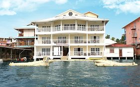 Tropical Suites Bocas