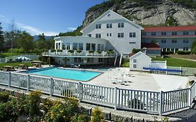 White Mountain Hotel And Resort