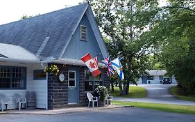 Wildwood Motel Shelburne