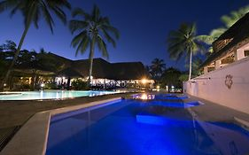 Uroa Bay Beach Resort 4*