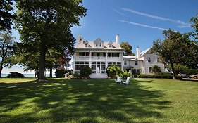 Wades Point Inn on The Bay Mcdaniel Md