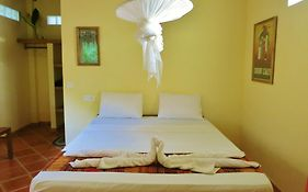 Botanica Guest House Kep