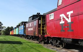 Red Caboose Motel Reviews