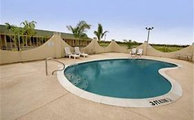 Americas Best Value Inn Riviera
