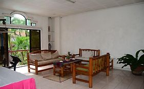 Edcelent Guesthouse Davao