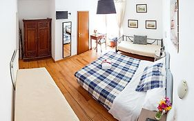 Bed And Breakfast Flavia 84 Roma