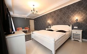 Old City Bucharest nf Hotels