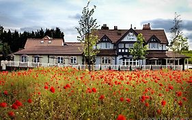 Red Lion Hotel Todwick 3*