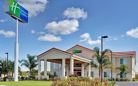 Holiday Inn Express Delano Hwy 99 Delano Ca