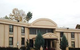 Town House Inn & Suites Elmwood Park Nj
