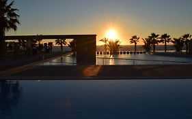 Capital Coast Resort & Spa 4*