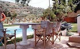 The Traditional Villas of Crete Vroukhas
