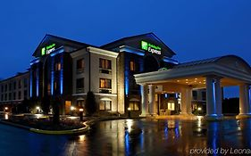 Holiday Inn Express in Grove City Pa