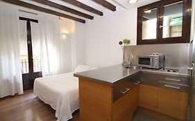 Bcn2stay Apartments Barcelona