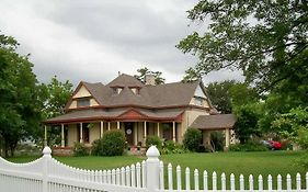 Baker st Harbour Waterfront Bed And Breakfast
