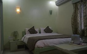 Hotel Parashar Check Inn photos Room